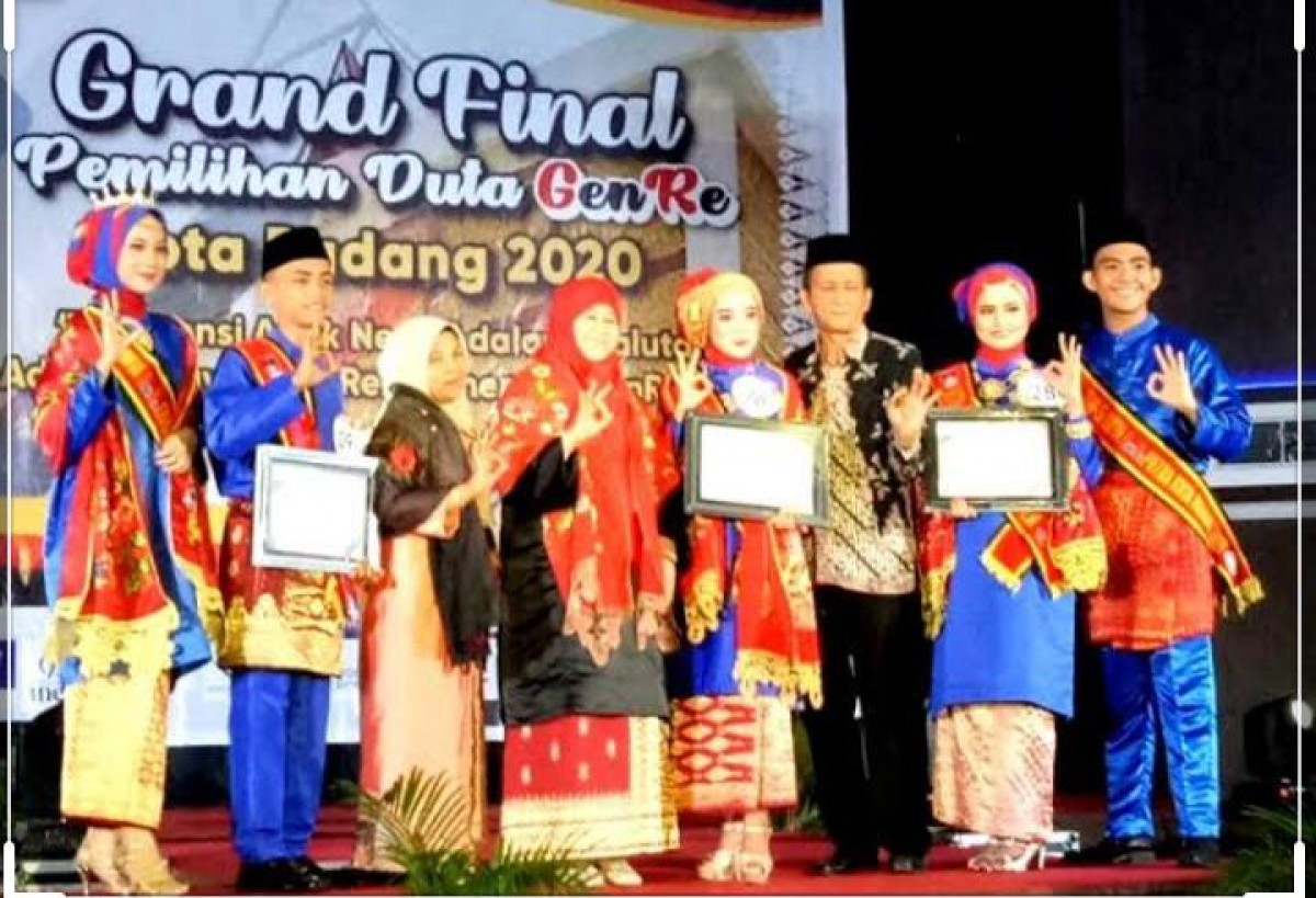 Mahasiswa Fakultas Keguruan Ilmu Pendidikan prodi Pendidikan Bahasa Inggris Universitas Muhammadiyah Sumatera Barat (UMSB) mengukir prestasi gemilang di ajang Anugerah Duta GenRe Sumbar tahun 2020