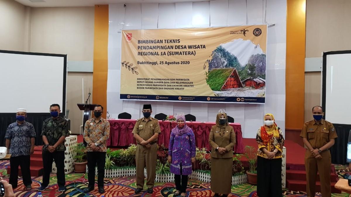 Bimbingan Teknis (Bimtek) pendampingan desa wisata regional 1 Sumatera di Bukittinggi