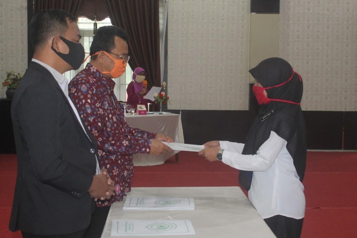 UMSB menyerahkan sebanyak 241 Ijazah kepada lulusan sarjana Strata satu dan Program Pascasrajana